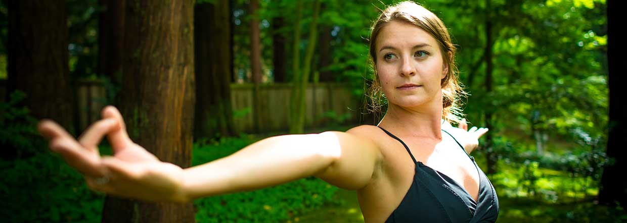 chelsea-lee-yoga-therapist-squamish-home