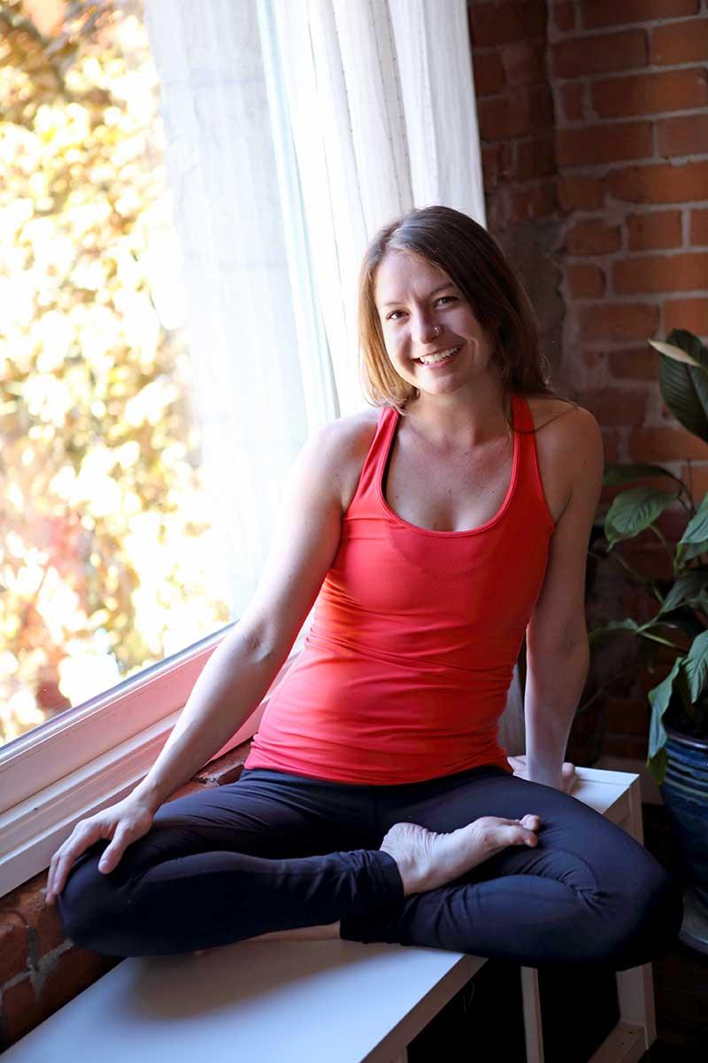 chelsea-lee-yoga-therapist-squamish-home-bio-1
